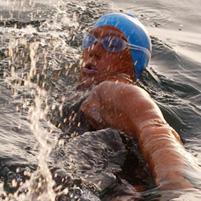 20110926132550-nadadora.jpg