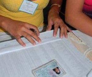 20121022034719-mesas-electorales1.jpg