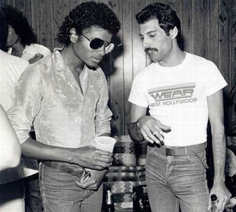 20130802104922-michael-jackson-and-freddie.jpg