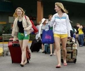 20131031115741-turistas-cuba.jpg