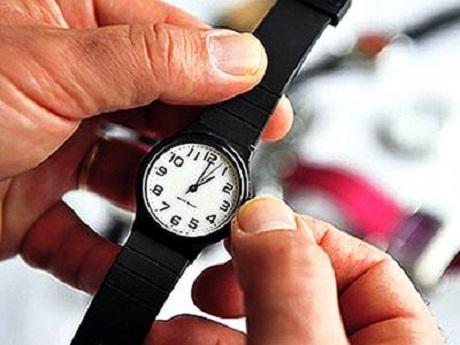 20160310123502-reloj-pulsera-atraso.jpg