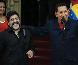 20110723141437-chavez-y-maradona1.jpg