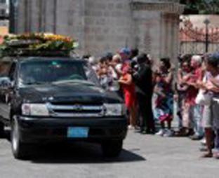 20120613025633-entierro-.jpg