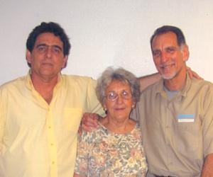 20120623062640-roberto-irma-rene-mayo-2011.jpg