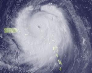 20120629131140-huracan-earl1-300x240.jpg