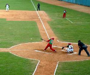 20131031120556-las-tunas-pinar-rio-beisbol-abel-padron-padilla-ain.jpg