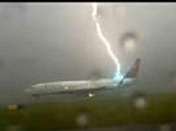 20150824135818-avion-1.jpg