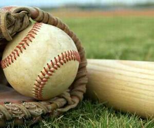 20160613132557-guante-pelota-bate-beisbol.jpg
