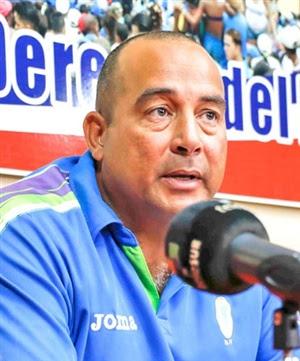 20170525151847-yosvani-aragon-comisionado-nacional-de-beisbol-cubano.jpg